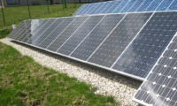 Installation of photovoltaic solar panels on benches