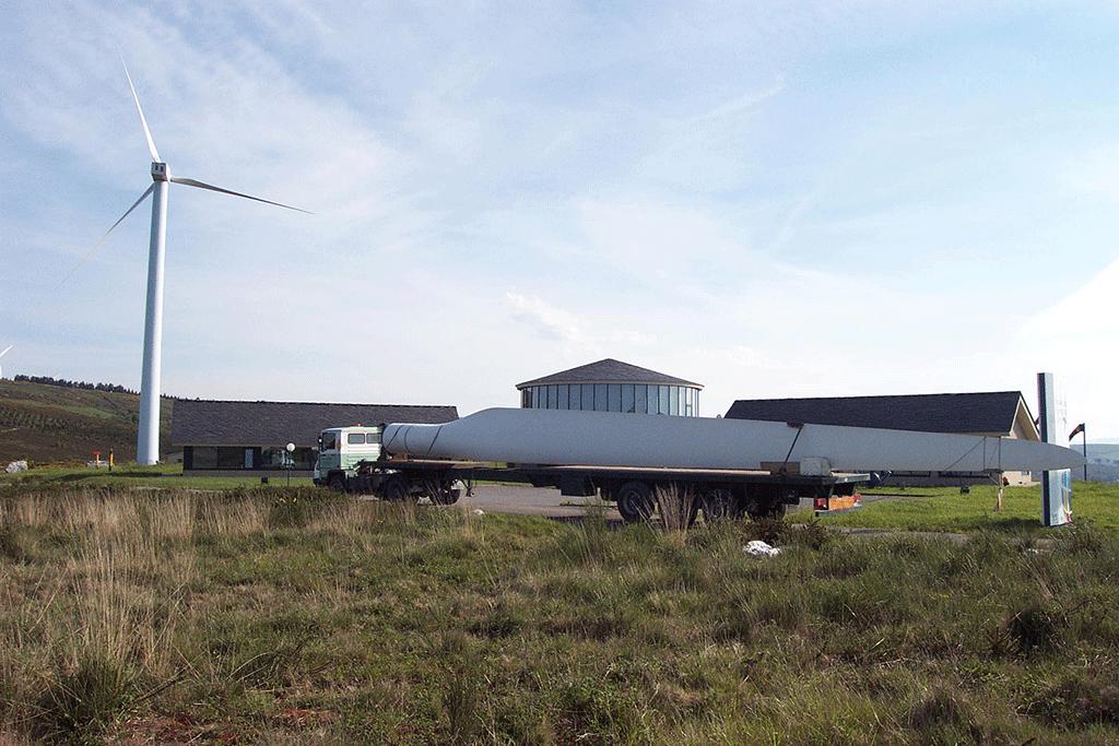 Transporte de palas de un aerogenerador